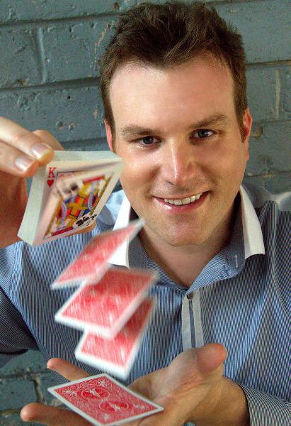 Auckland Magician Mick Peck Magic